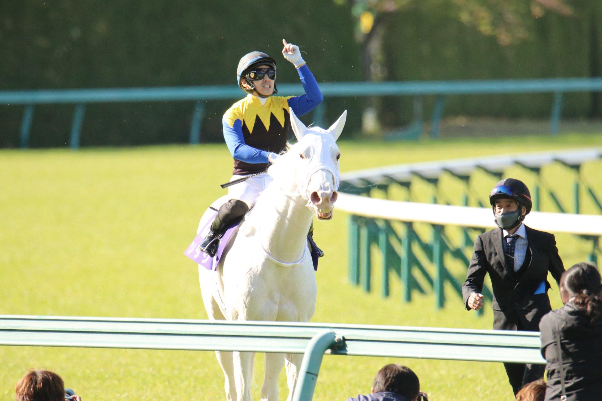 [重賞回顧]人気馬から世代最強馬、そして最強馬へ~2021年・桜花賞~